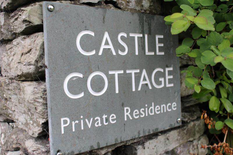 Castle Cottage sign