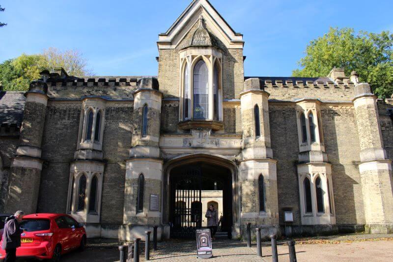 Church of Highgate Cemetery West