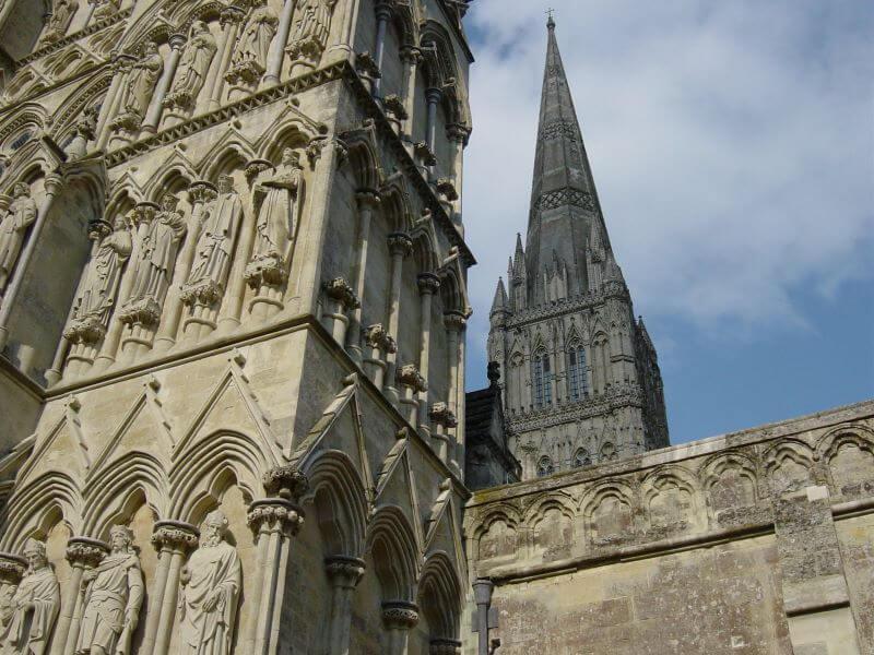 コンスタブルが描いたソールズベリー大聖堂と昔の大聖堂跡オールドサーラムを訪問