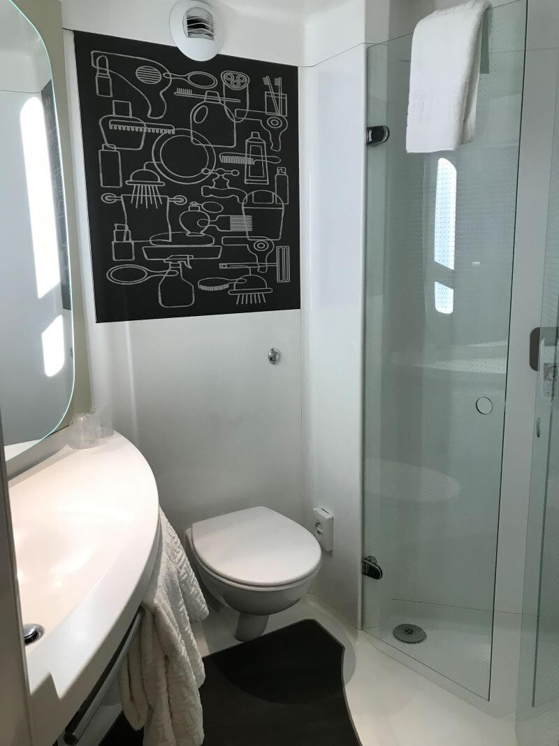 shower room of double sweetroom in ibis Manchester Centre Princess Street
