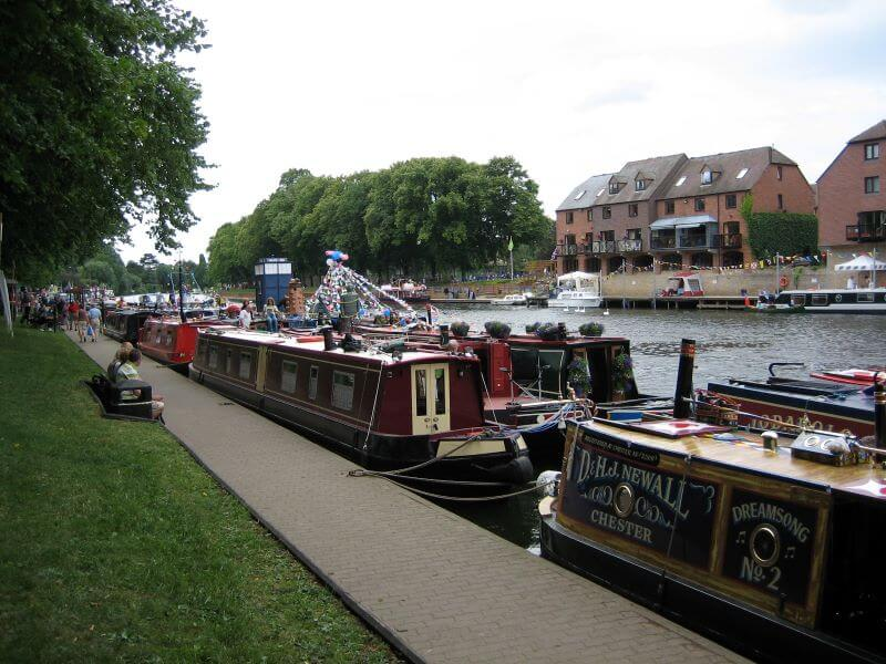 narrow boats in Evesham Festival