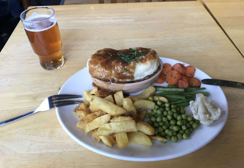 beef & ale pie with vegetables